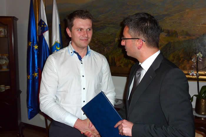Župan Marjan Šarec je za drugega poklicnega župana imenoval Mateja Slaparja.