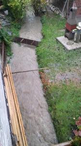 Naraščanje vode v Soteski pri Kamniku. Foto: Saša Korošec