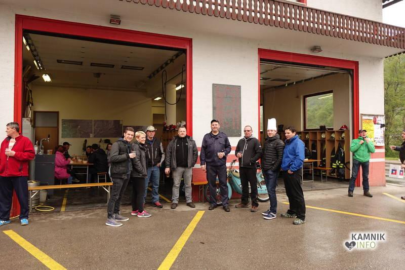 Gasilski golaž je prišlo zjutraj in dopoldne poskusit veliko krajanov, članov in podpornikov PGD Kamniška Bistrica.