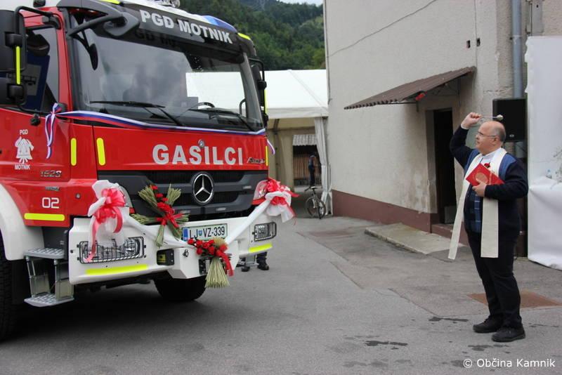 gasilci motnik nova cisterna 23