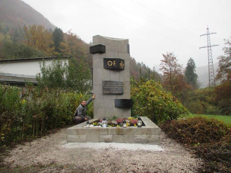 spomenik-crna-3